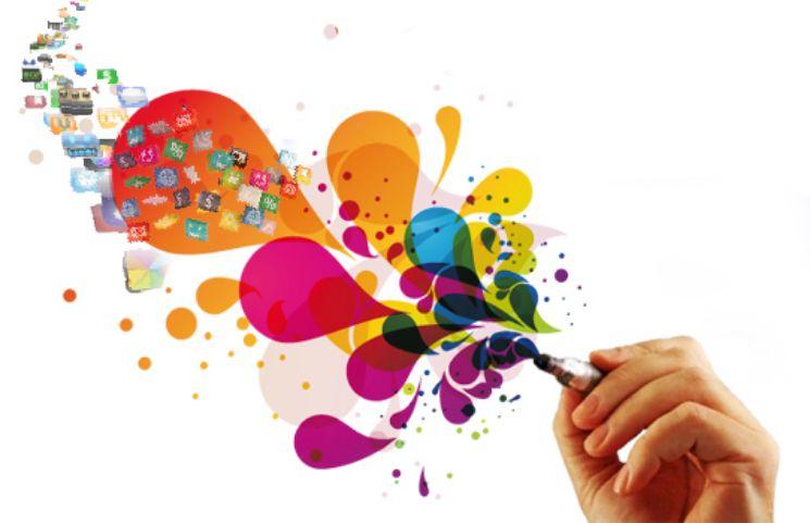 mano con penna disegnando colore