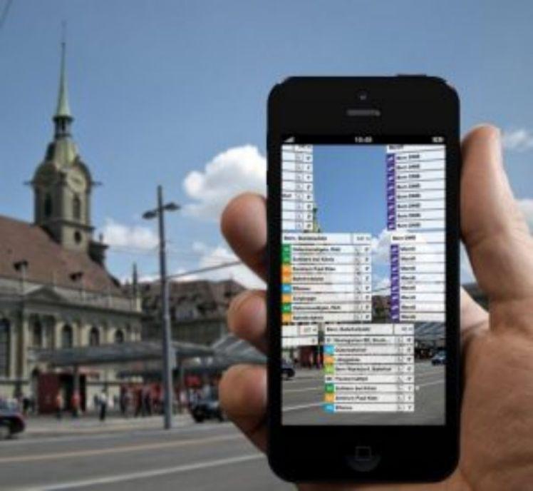 Sfondo con cittáe smartphone - realtà aumentata