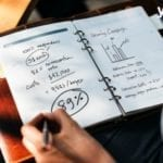 quaderno con calcoli- quanto guadagnare con le app
