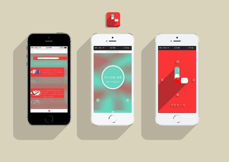 tre smartphone con applicazioni