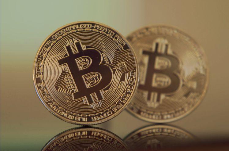 immagine di due bitcoin