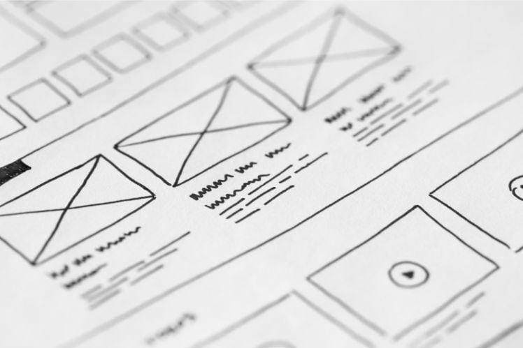 disegno di layout su foglio bianco