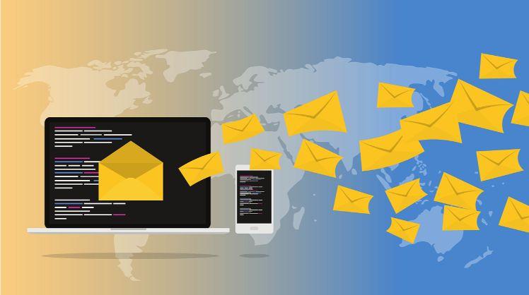email - copertua mediatica - laptop
