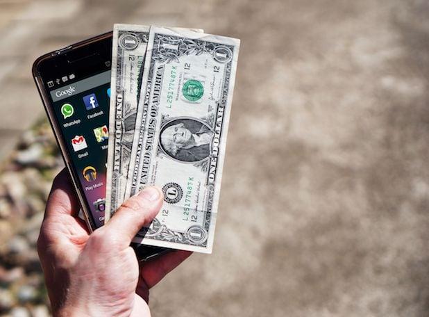 smartphone e dollari
