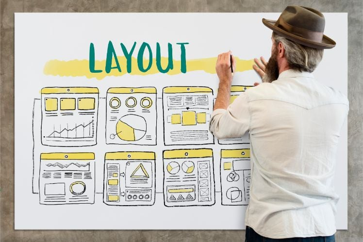 persona disegnando vari layout - user experience